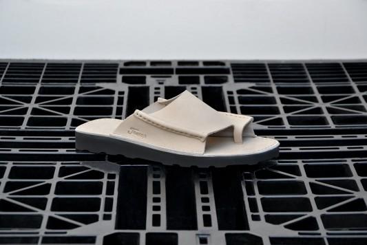 D121 Ligth Grey sandals